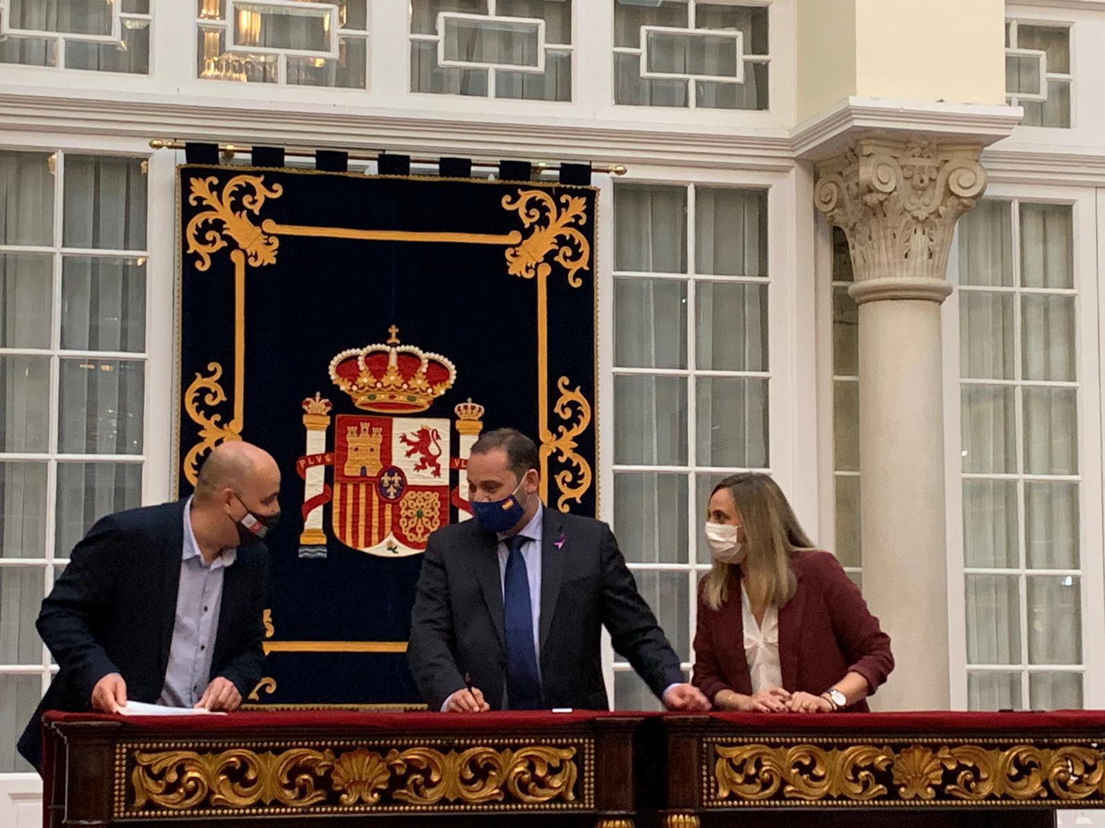 Huércal-Overa firma el convenio para la construcción de 25 viviendas de VPO en régimen de alquiler