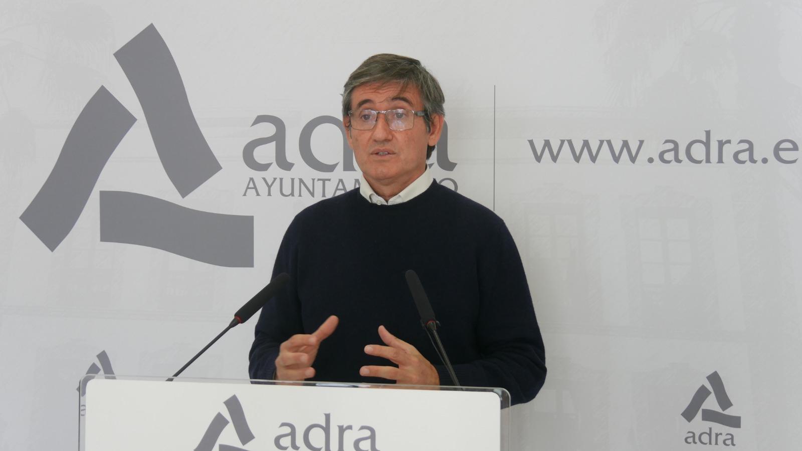 201216 Manuel Cortés pide _calma y responsabilidad_ tras analizar el brote declarado en Adra