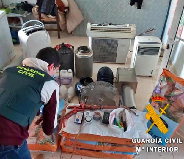 La Guardia Civil desmantela un activo punto de venta de drogas en Vera
