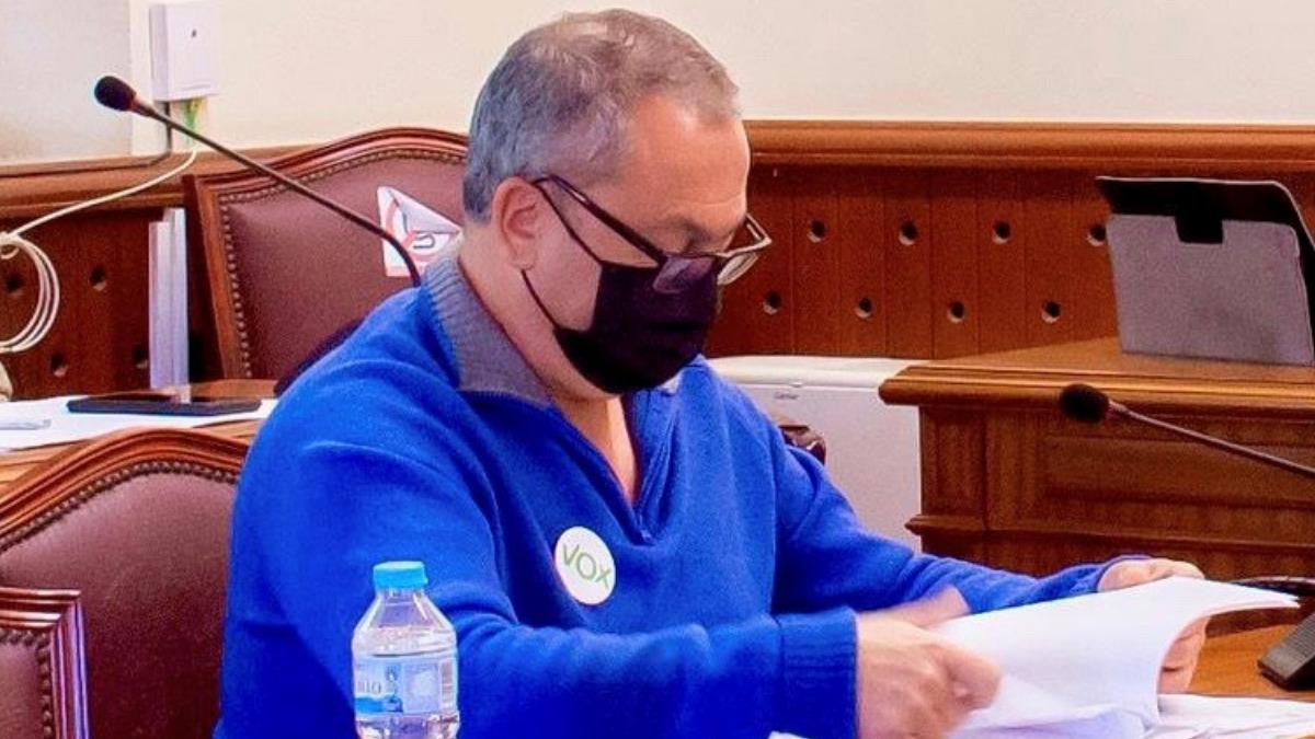 VOX Níjar denuncia que el Ayuntamiento guarde en sus cajones facturas sin abonar a proveedores por importe de 582.307 euros