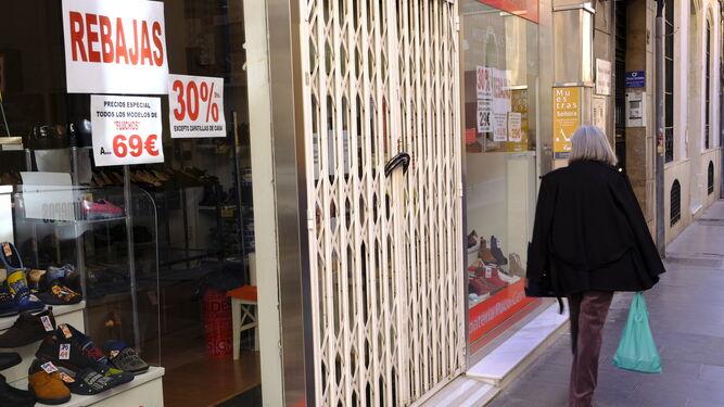 Almería y Poniente tendrán que cerrar su comercio no esencial a las 20:00 horas a partir de mañana, viernes