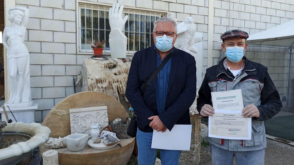 Francisco Alías, dedicado al mármol de Macael, recibe el título de Maestro Artesano