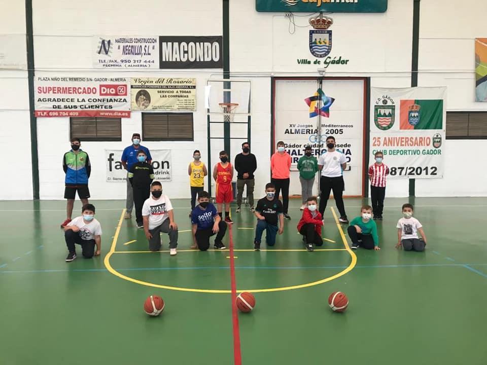 La Escuela de Baloncesto de Gádor retoma sus entrenamientos de nuevo