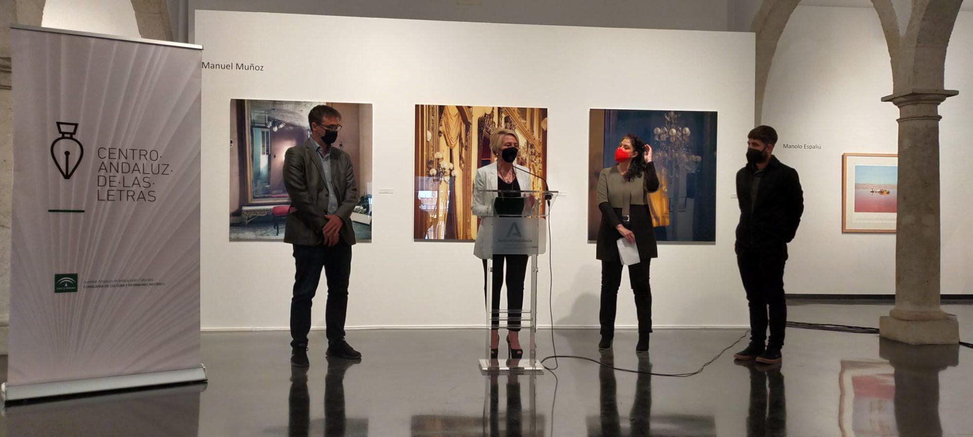 La Consejería de Cultura estrena en Almería su nuevo programa literario y fotográfico 'Photopoesía'