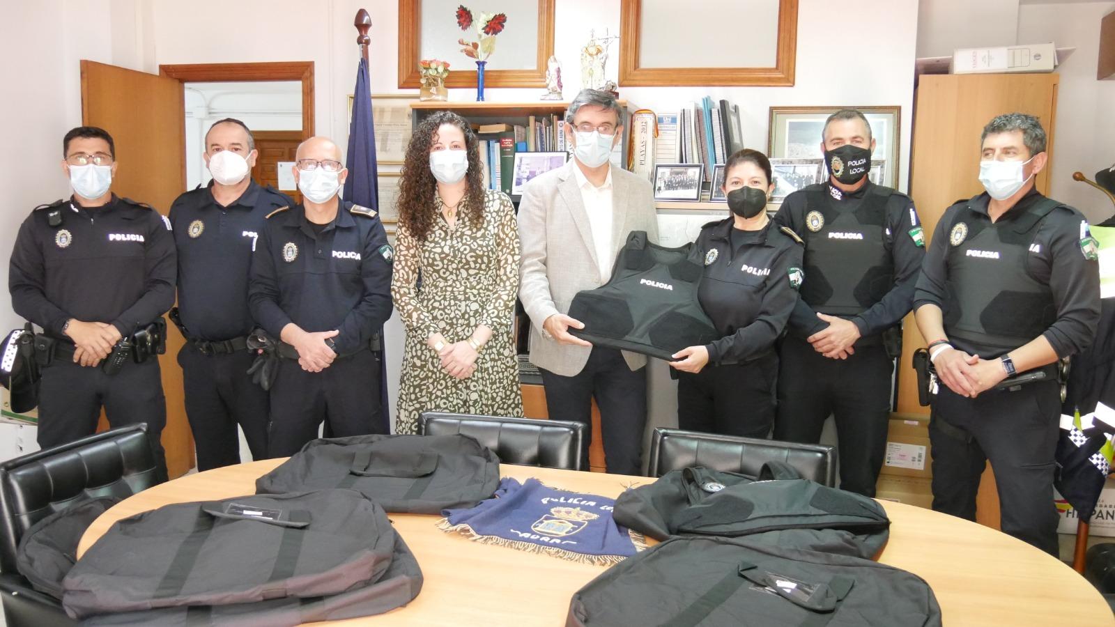 210510 Ayuntamiento entrega chalecos antibalas a Policía Local