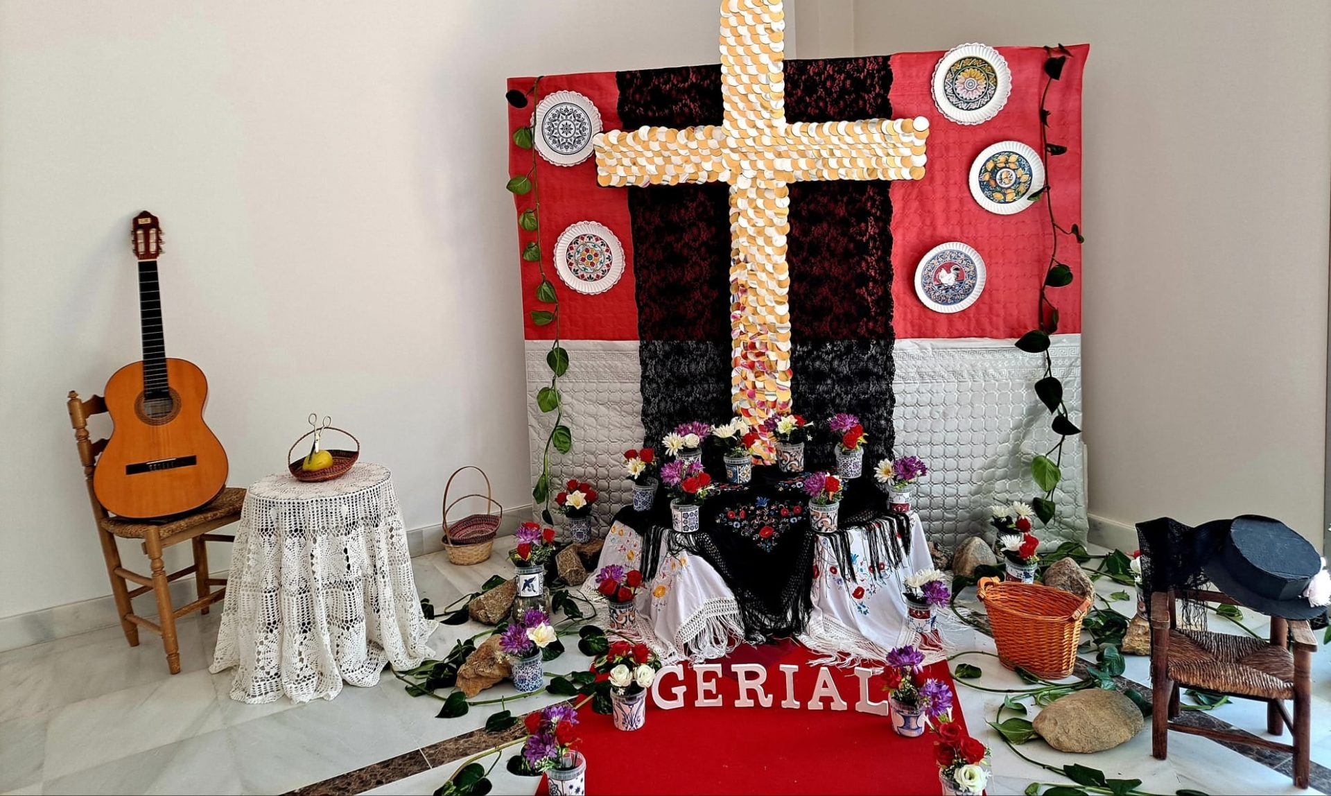 El Ayuntamiento de Macael publica las imágenes del concurso 'Cruces de Mayo en Casa'