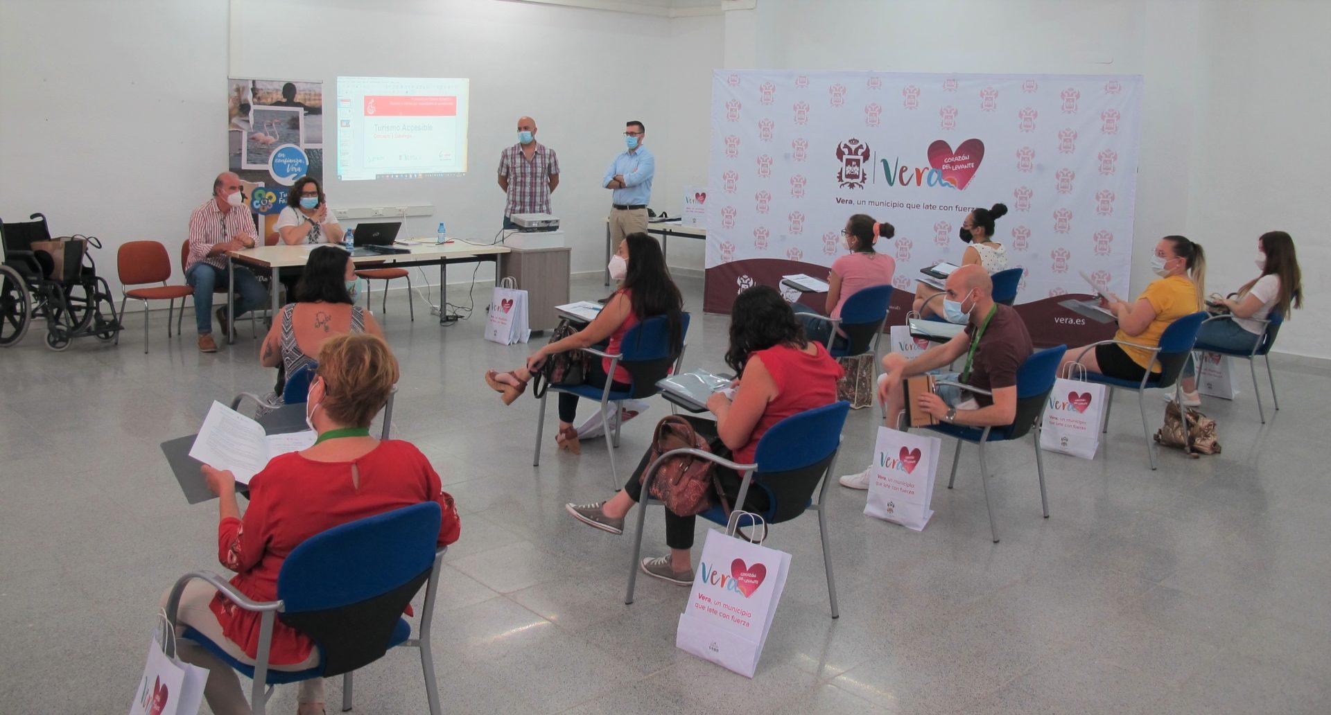Vera pone en marcha un curso de turismo accesible y atención a clientes con discapacidad y otras necesidades