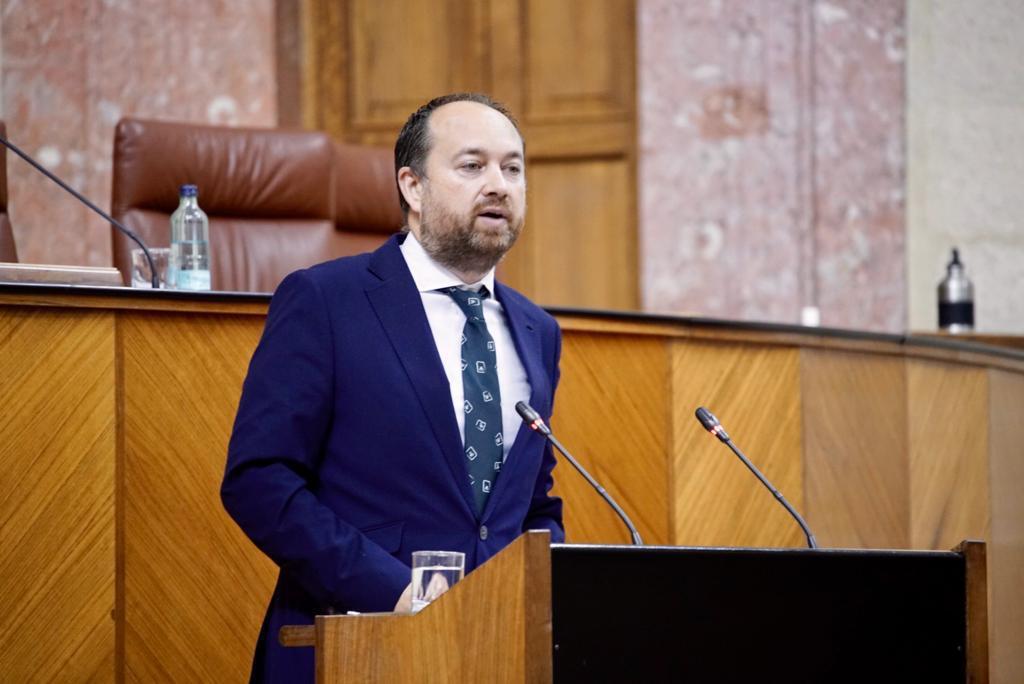 """Herrera destaca el """"éxito"""" de la presencialidad en los centros escolares almerienses pese al """"catastrofismo"""" anunciado por el PSOE"""