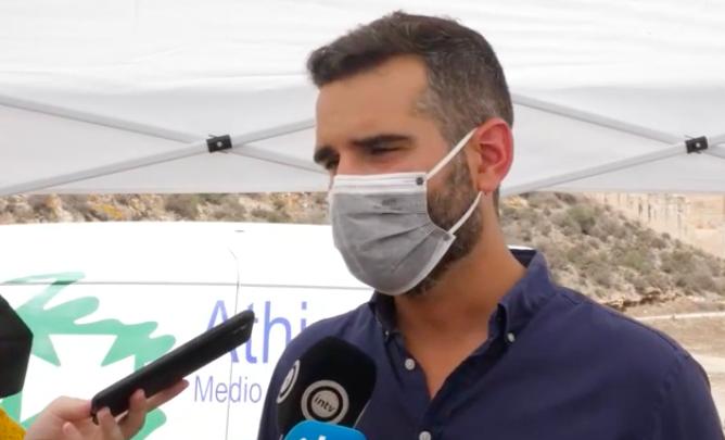 """El alcalde destaca la apuesta por la sostenibilidad en el programa de control de plagas """"con más tecnología y menos biocidas"""""""