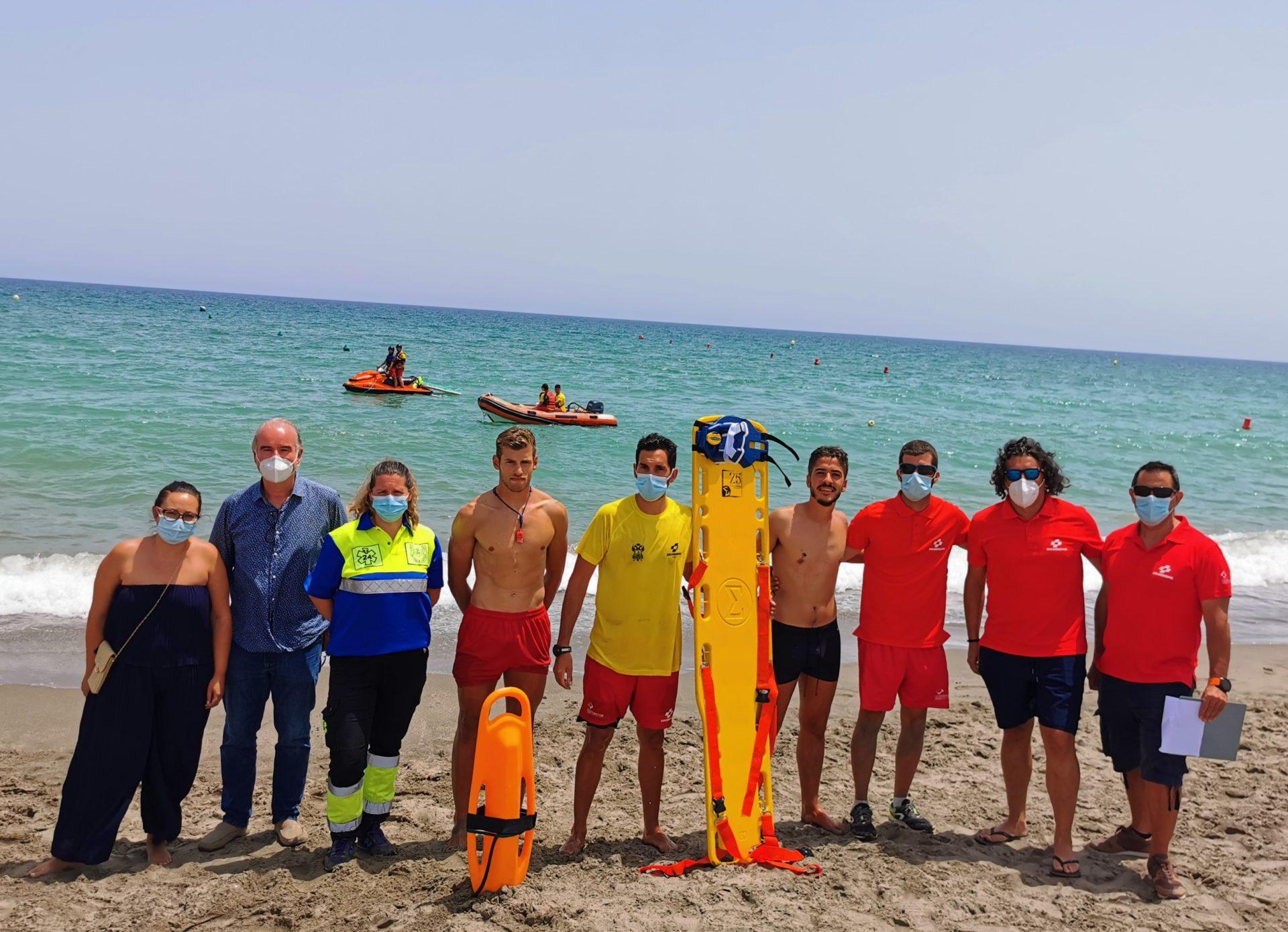 Las playas de Vera llevan a cabo un simulacro de salvamento y rescate acuático