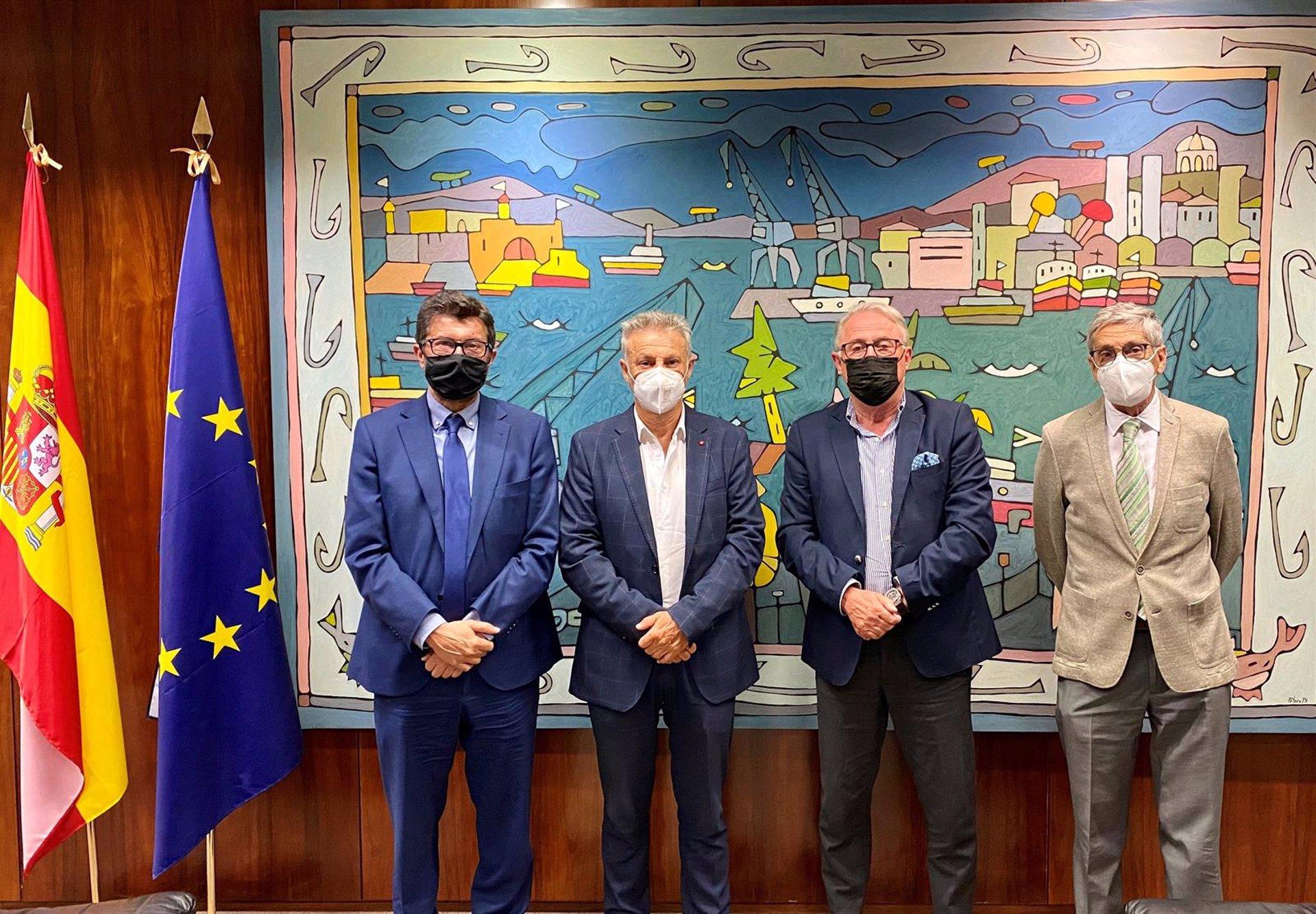 La Autoridad Portuaria anuncia una conexión del Puerto con el ferrocarril de Almería, pero no especifica si habrá soterramiento