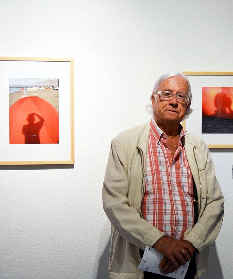 El alcalde decreta un día de luto oficial en memoria del fotógrafo Carlos Pérez Siquier