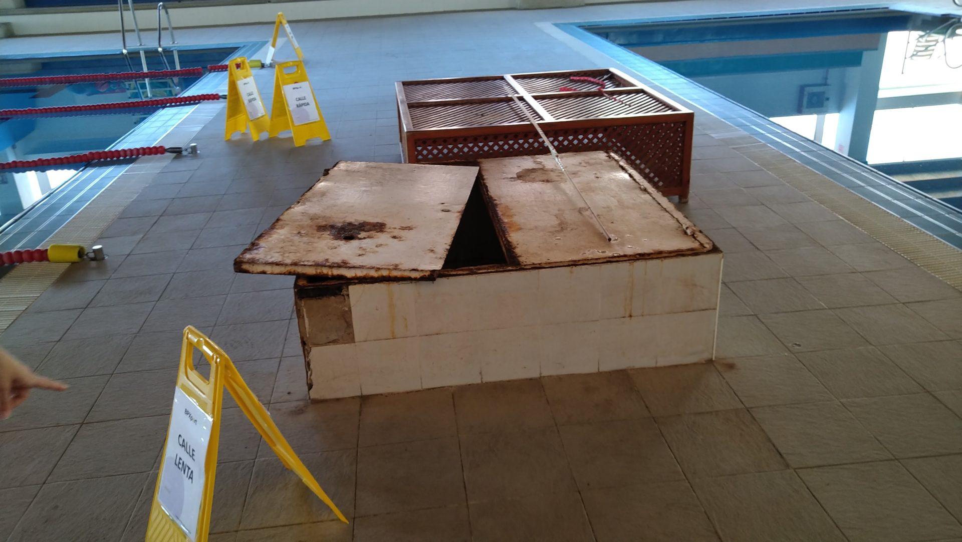 La falta de mantenimiento durante años retrasan la apertura de la piscina municipal de Vera y obliga al Ayuntamiento a realizar trabajos extraordinarios en las instalaciones